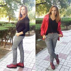 Quieres saber lo que he sentido al llevar los zapatos más cómodos que he tenido ?  Pues pásate por el blog que tienes nueva entrada y te describo mis sensaciones. Diseño tendencia y comodidad por @puchecalzados Me encantan  #friendsfluencers #moda #fashion #botines #zapatos #shoes #trendy #instamoment #instaphoto #instapic #instafashion #instablogger #bloggermalaga #blogger #instapicture #picoftheday #picture #outfitoftheday #look #lookoftheday #outfit #ootd #me