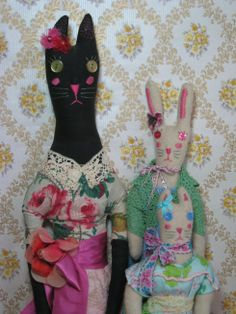 Fantastic handmade toys by the talented Sasha. these are from my ever growing collection. Pandora (the elegant black cat) and two companions. Handmade Toys, Softies, Vintage Inspired, Pandora, Elegant, Fabric, Artist, Crafts, Color