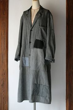 SASAKI-JIRUSHI (Vintage remake)  Black chambray patchwork long atelier coat  From:France,1950s  Material:Black chambray cotton.  Patchwork
