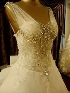 Aliexpress.com : Buy new 2015 Royal shoulder length luxury wedding dress from Reliable wedding preparation suppliers on Romantic life wedding dress Store | Alibaba Group