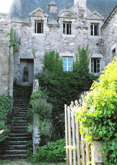Maisons Côté Ouest, France