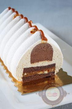 """Bûche de Noël #19 : """"comme un Snickers"""" chocolat, cacahuète et caramel Exemplaire - Surprises et gourmandises"""