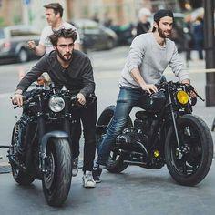 """lemoncustommotorcycles: """"摩托車有的時候比汽車迷人的地方就在這。 人與車的關係,是很直接的。 Photo by The Bike Shed. by lin.dong_ http://ift.tt/1xevTUq """""""