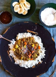 South African Curry & Rice ~ Anina's Recipes We used to also put Salsa on top, with the chutney, bananas and coconut. South African Dishes, South African Recipes, Indian Food Recipes, Mince Recipes, Curry Recipes, Beef Recipes, Recipies, Vegan Recipes, Quesadillas