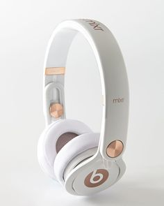 Rose-Gold-Tone Beats On-Ear Headphones - Beats By Dr. Dre from Neiman Marcus. Shop more products from Neiman Marcus on Wanelo. Headphones Beats, Cute Headphones, Wireless Headphones, Bluetooth, Beats By Dre, Travel Accessories, Phone Accessories, Mochila Jansport, Dji