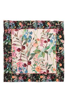Patterned silk scarf: PREMIUM QUALITY. Scarf in an airy, patterned mulberry silk weave. Size 70x70 cm.