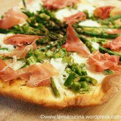 Spargelpizza mit Rohschinken