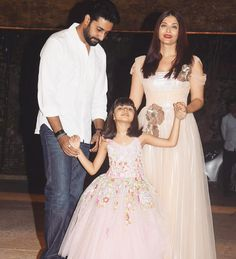 Bollywood Star Aishwarya Rai Bachchan Truly Looked Like A Princess In Gauri And Nainika's Gown Bollywood Images, Bollywood Stars, Bollywood Fashion, Actress Aishwarya Rai, Aishwarya Rai Bachchan, Indian Star, Tulle Gown, Indian Celebrities, I Dress