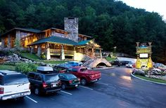 NOC Gatlinburg - Gatlinburg's largest selection of technical outdoor gear, apparel, footwear, local gifts, and guidance for your Smokies adventures.