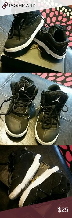 Kids Jordan New School blk/white sz 11c Excellent Condition from a smoke and pet free home  Will be cleaned one additional time prior to mailing  Black and white Jordan New School  Will send with original box Jordan Shoes Sneakers