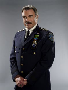 Blue Bloods Tom Selleck has aged well. Have been a Selleck fan forever, and he is great in Blue Bloods. Robert Redford, Tom Selleck Blue Bloods, Blue Bloods Tv Show, Jesse Stone, Magnum Pi, Star Wars, Men In Uniform, Great Tv Shows, Raining Men