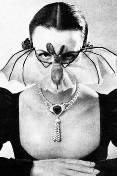 vintagegal: Bat Mask from Elegante Welt No. 4 1951 (via) Costume Halloween, Halloween Photos, Vintage Halloween, Bat Costume, Vintage Holiday, Mystic Girls, Bat Mask, Michel De Montaigne, Ballet Russe