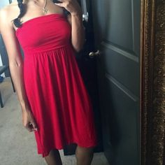 Forever 21 sundress Red strapless sun dress. Super light weight, ties at back. Cutout in back dips very low. Perfect for the summer time! Forever 21 Dresses Maxi