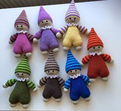 CraZy For Crochet: Marknaden närmar sig Baby Knitting, Crochet Baby, Knit Crochet, Baby Patterns, Knitting Patterns, Doll Clothes, Projects To Try, Miniatures, Christmas Ornaments