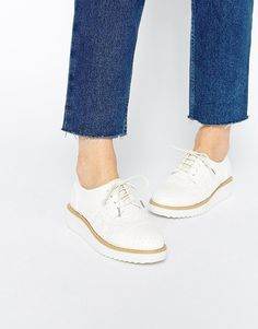 """Pin for Later: Diese Schuhe passen am besten zu einer Schlaghose  ASOS """"Moorgate"""" Halbschuhe im Budapester-Stil (48 €)"""
