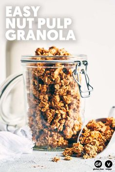 Delicious, protein-packed and a breeze to make. Leftover nut pulp and an easy almond butter caramel makes for a perfectly clumpy granola. Just 10 ingredients. (V+GF). Vegetarian Recipes Easy, Vegan Breakfast Recipes, Dog Food Recipes, Cooking Recipes, Freezer Recipes, Freezer Cooking, Drink Recipes, Cooking Tips, Sin Gluten