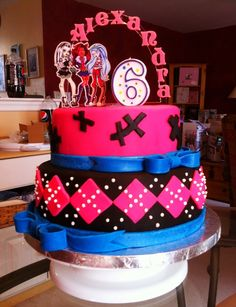 Don't let this happen to your cake!!  Don't let a plain-old grocery store candle detract from an AMAZING cake!!!  That candle is so boring, it's scary!!