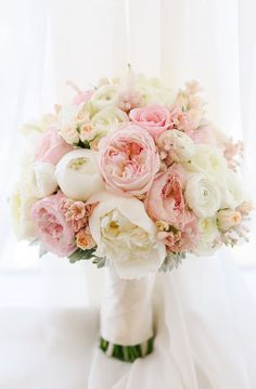 Delicate and ethereal wedding ceremony bouquet through Mirelle Carmichael Images / www.himis Delicate and ethereal wedding ceremony bouquet through Mirelle Carmichael Images / www. Perfect Wedding, Dream Wedding, Bride Bouquets, Bouquet Wedding, Bridesmaid Bouquets, Wedding Bridesmaids, Blush Bouquet, Peonies Bouquet, Wedding Ceremony