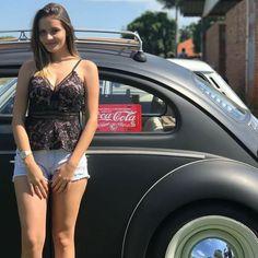 mujer manejando audi & audi mujer _ autos audi para mujer _ audi para mujer _ audi volante mujer _ mujer manejando audi _ audi mujer _ audi y mujeres _ carros para mujeres audi Sexy Cars, Hot Cars, Vw Bus, Vw Volkswagen, Kdf Wagen, Hot Vw, Bus Girl, Vw Vintage, Biker Girl