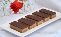 Kinder mliečny rez – rýchly a výborný koláčik bez múky! Sweet Desserts, Dessert Recipes, Good Food, Yummy Food, English Food, Sweet Cakes, No Bake Cake, Cheesecake, Deserts