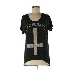 Pre-owned Zoe Karssen Short Sleeve T Shirt Size 8: Black Women's Tops ($16) ❤ liked on Polyvore featuring tops, t-shirts, black, zoe karssen tee, short sleeve t shirts, short sleeve tops, zoe karssen t shirts and short sleeve tee