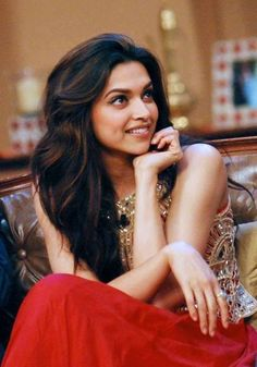 Deepika Padukone - love the highlights