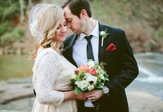 Crystal Heart  Keith Carson were married on New Year's Eve at Falls Park in an intimate ceremony. // Photography by Angela Cox Photography