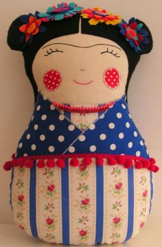 Amei as versões desta doll feita pelas nossas amigas artesãs. Selecionei algumas delas, mais se você fez alguma me envie a ...