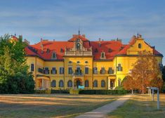 Károlyi castle at Nagymágocs, Hungary. Ambit Energy, Hungary, Palace, Jigsaw Puzzles, Beautiful Places, Places To Visit, Mansions, Architecture, House Styles
