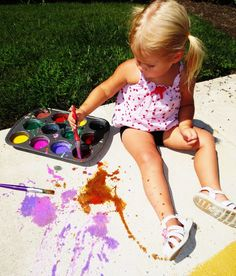 Homemade fizzing sidewalk paint- simple to make and so fun!