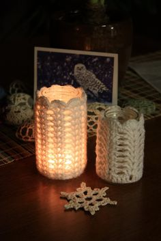 Nature Nut Notes: Crochet Votive Tutorial For the cold winter nights Diy Unique Candles, Unique Candle Holders, Diy Candles, Votive Holder, Crochet Jar Covers, Cardigan Au Crochet, Crochet Home Decor, Crochet Gifts, Crochet Headbands