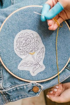 embroidery on paper hand embroidered denim DIY - Ta-da! Your very own hand embroidered denim, right this way… Diy Embroidery Shirt, Hand Embroidery Stitches, Embroidery Ideas, Diy Clothes Embroidery, Embroidery Tattoo, Hand Stitching, Embroidery Techniques, Knitting Stitches, Knitting Needles