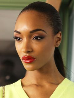 Recreate Jourdan Dunn's Perfectly Arched Eyebrows in 4 Steps: Daily Beauty Reporter :  Learn how to recreate Jourdan Dunn's perfectly arched eyebrows from BellaSugar! Not everyone has naturally bold arches like model Jourdan Dunn. But you can fake it until you make it with the help of perfect grooming. Mimic the exact...