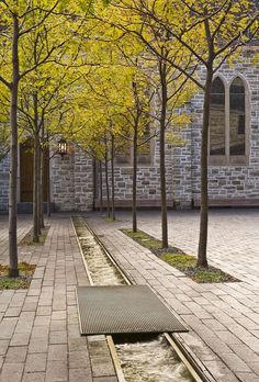 Westminster Presbyterian Church: Urban Columbarium and Courtyards by Coen + Partners, Inc #landscapearchitectureplaza