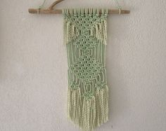 Macrame wall hanging for your boho decoration. + Cauris shells + lace and satin ribbons Made of cotton and wood Other colors and patterns can be made on demand. Rococo, Boho Decor, Bamboo, Wall Hangings, Etsy, Crochet, Unique Jewelry, Handmade Gifts, Cotton