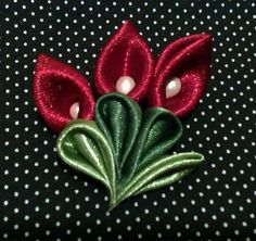 silk ribbon for embroidery supplies Diy Lace Ribbon Flowers, Ribbon Flower Tutorial, Cloth Flowers, Kanzashi Flowers, Ribbon Art, Satin Flowers, Ribbon Crafts, Flower Crafts, Ribbon Bows