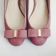 ⚫️MICHAEL KORS kiera midi pump in dusty rose Adorable & classy midi heel with bow in front. Never worn. Rare color! Michael Kors Shoes Heels
