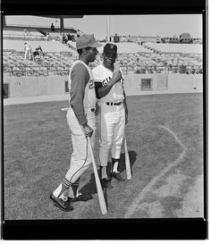 Willie Mays and Cleveland Indiana Chuck Hinton Cleveland Baseball, Cleveland Indians, Indians Baseball, Willie Mays, John Wayne, San Francisco Giants, Back In The Day, Indiana, Ranger
