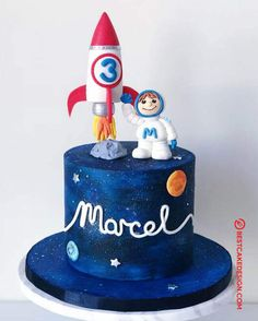 50 Most Beautiful looking Rocket Cake Design that you can make or get it made on the coming birthday. Cake Designs Images, Cake Designs For Boy, Rocket Birthday Parties, Birthday Party Design, Birthday Cake Kids Boys, 4th Birthday Cakes, Rocket Cake, Galaxy Cake, Solar System Cake
