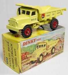 DINKY #965 EUCLID DUMPER, DARK RED HUBS & SCARCE PICTURE BOX - NMIB