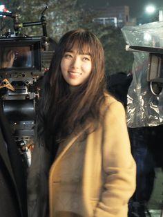 [채수빈] 로봇과 인간, 1인 2역으로 돌아온 채수빈님을 만나보아요! : 네이버 포스트 Korean Actresses, Korean Actors, Dramas, Chae Soobin, The Man Who Laughs, Bride Of The Water God, Blind Girl, W Two Worlds, Joo Hyuk
