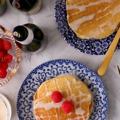 Pop the bubbly! These Mimosa Pancakes feature sparkling wine in the batter and the citrus glaze. Now you can have your bubbly and eat it too! We think this is the ultimate brunch at home recipe! Brunch Recipes, Breakfast Recipes, Dessert Recipes, Paleo Breakfast, Crepes, Christmas Breakfast, Christmas Desserts, Food To Make, Delish