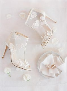 Belle by Joy Proctor for Bella Belle 'Enchanted' bridal collection. Mesh peep toe wedding shoes adorned with delicate mix of silk and tulle petals. Peep Toe Wedding Shoes, Wedding Boots, Wedding Heels, Ivory Wedding, Wedding Dj, Enchanted Bridal, Belle Bridal, Chic Vintage Brides, Vintage Weddings