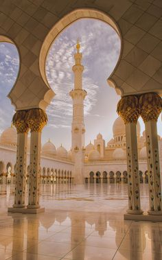 ღღ Abu Dhabi, United Arab Emirates, Grand Mosque Sheikh Zayed - The Pillars of the Earth by julian john - Magnificant! Dubai Wallpaper, Mecca Wallpaper, Islamic Wallpaper, Abu Dhabi, Mosque Architecture, Art And Architecture, Ancient Architecture, Beautiful Mosques, Islamic Architecture