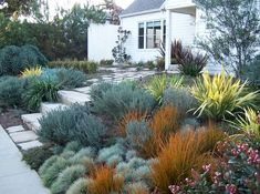 English Garden, California Style - Front yard - traditional - landscape - los an. - in the garden - English Garden, California Style – Front yard – traditional – landscape – los angeles – b - Modern Landscape Design, Traditional Landscape, Modern Landscaping, Backyard Landscaping, Landscape Plans, California Front Yard Landscaping Ideas, Traditional Homes, Desert Landscape, Landscaping Software