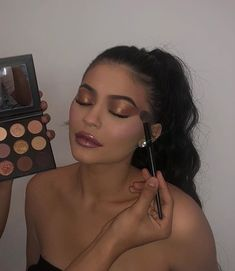 Kylie Jenner's Guide to Lips Brows, Confidence Beauty Secrets Vogue Makeup Tutorial Kylie Makeup, Makeup Goals, Makeup Inspo, Makeup Inspiration, Beauty Makeup, Hair Makeup, Kylie Jenner Makeup Tutorial, Vogue Makeup, Beauty Buy