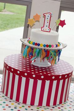 Smash cake.