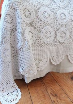 Hand Crochet, Crochet Lace, Crochet Bedspread, Linen Sheets, Linens And Lace, Knitted Blankets, Vintage Crochet, Bed Covers, Bed Spreads