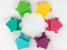 bricolage enfant facile avec pliage en papier origami, comment faire des origami animaux, grenouille sauteuse en papier coloré