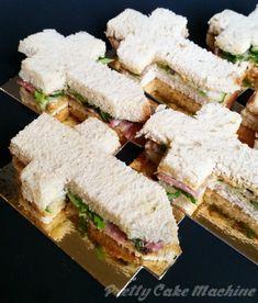 Recipe/Tutorial: Legendary Hero Finger Sandwiches (Undertale Undertea, part 6)